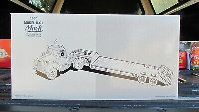 Mack 1960 Model B-61 Tandem Axle With Lowboy Trailer Diecast Tractor