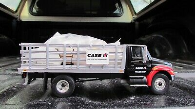 International 4400 Diesel 3 Ton Stake Delivery Truck No Box Diecast Tractor
