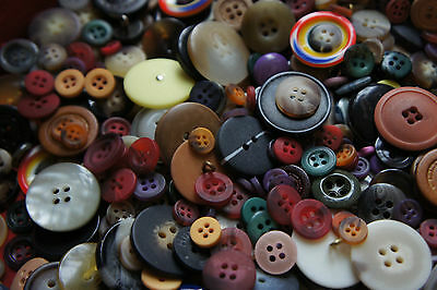 Mixed Vintage and Modern 14 oz NIB Lot of Gold Buttons