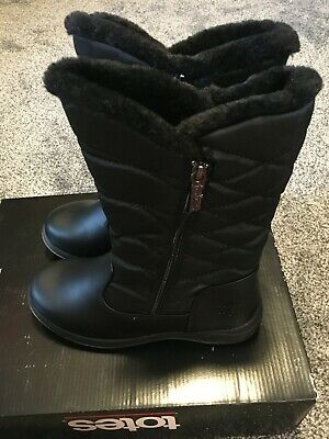 totes Jazzy Women/'s Winter Boots Black Quilted Faux Fur Lined