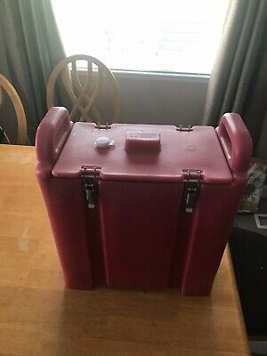 Red Cambro Insulated Soup/Beverage Carrier. 350LCD 3.3/8 Gallon Capacity