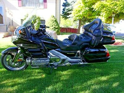 2002 Honda Gold Wing  2002 HONDA GOLDWING GL1800, PEARL BLACK, BEAUTIFUL, ONLY 54K MILES, EXCELLENT!!!