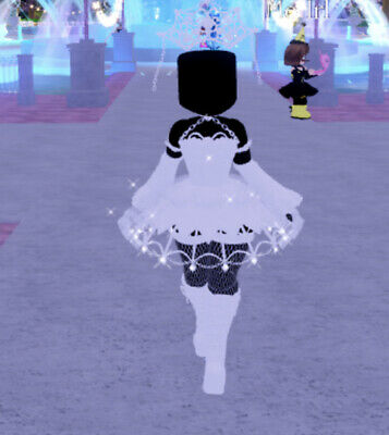 Custom pic with FREE Royale High Shadow empress chained boots READ DESC