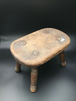 Late 19th Century Milking Stool With Lathe Turned Legs