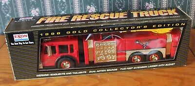 1998 gold Collectors edition Exxon Fire rescue truck gold series working lights