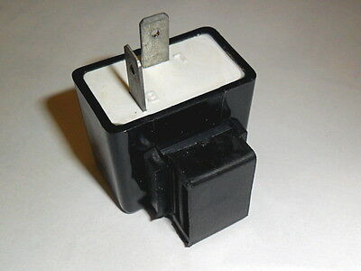 12 v FLASHER RELAY suitable for Bulbs or Led Indicators