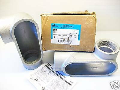 """**new Box Of 2** New Crouse-Hinds Lr67 Condulet Body 2"""" Form-7 Lr-67"""
