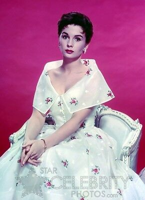 JEAN SIMMONS photo 3 white satin gown with pink roses