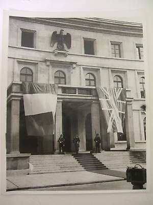 fuehrerhaus photograph during peace meeting 1938