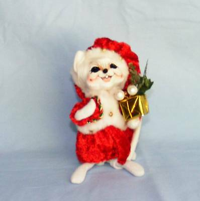 ANNALEE   CHRISTMAS  CRUSHED VELOUR MRS. MOUSE