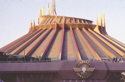 ؍Disney Postcard Space Mountain Attraction 2010 DL