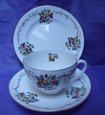 Vintage Royal Stafford floral trio  pretty shaby chic