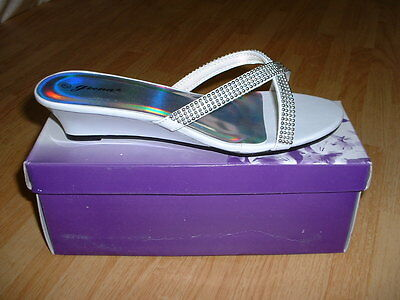 New Women Geena Low Heal Fancy Shoes US Size 6, Color White Comfortable Nice