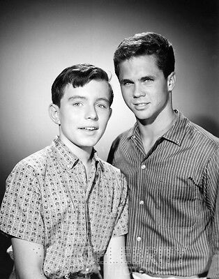 LEAVE IT TO BEAVER photo 250 Jerry Mathers Tony Dow