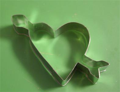 Cookie Cutter Heart With Arrow - 5 Inches