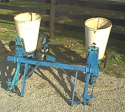 Used Ford 2 Row Corn Planter with 3 Point, CAN SHIP CHEAP & FAST