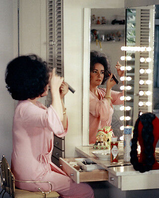 Elizabeth Taylor 11X14 Photo Looking At Herself In Dressing Mirror Rare Image