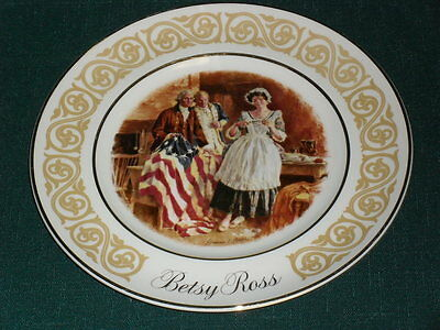 "American Patriotic 8.75"" AVON Wedgwood 1973 BETSY ROSS Collector's Plate"
