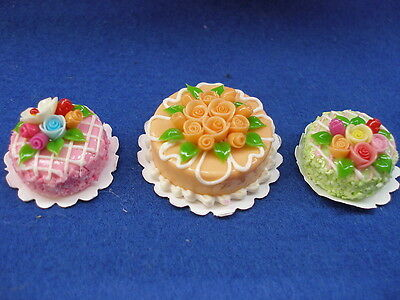 DOLLHOUSE MINIATURE CAKES -DOLL SHOP OR DINING-FOOD C100