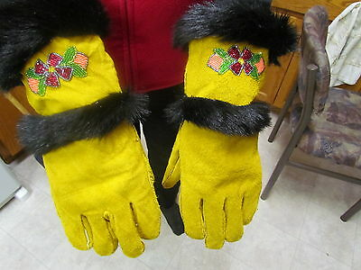 NATIVE AMERICAN BEADED MENS LARGE GLOVES,TANNED LONG HAIR FUR,LINED WELL MADE