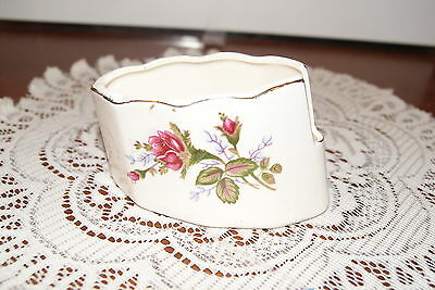 VINTAGE.....ESTATE....ROSES, WITH GOLD TONE TRIM.....SPOON REST
