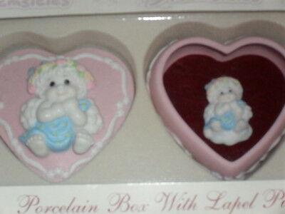 NEW in Box!!   DREAMSICLES Porcelain HEART TRINKET Box With Lapel Pin