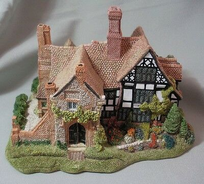 Lilliput Lane Anne Of Cleves  00603 New In Original Box  Issued July 1991-1996