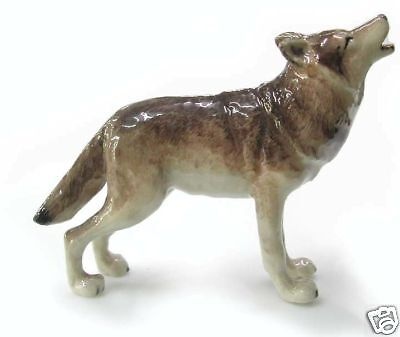 R035 Northern Rose Miniature Grey Wolf