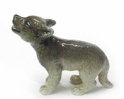 R324 Northern Rose Minature-  Howling Grey Wolf Cub