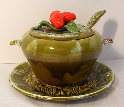 VINTAGE 4 PC STRAWBERRY TOPPED 12 CUP 3QT SOUP TUREEN MARKED USA 895 GREEN DRIP