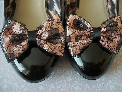 PAIR PEACH SATIN BLACK FLORAL LACE SHOE CLIPS GLAMOUR BOWS 40s 50s VINTAGE STYLE