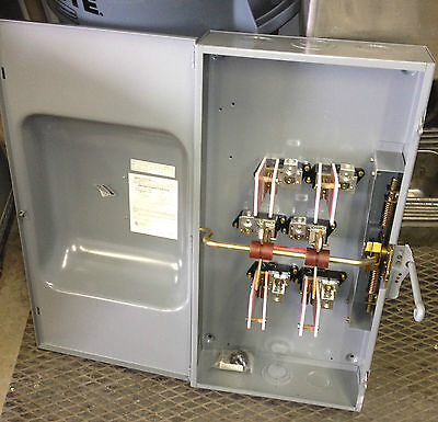 Square-d generator double throw transfer switch 2 pole 200 amp catalog # 82254