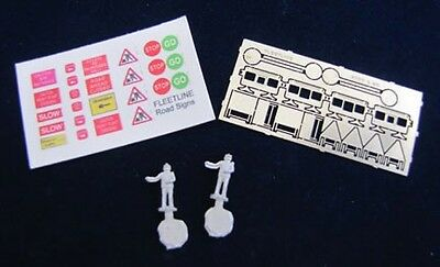 N Scale Gem/Fleetline 2 x People with Stop/Go Signs & Etched Accessories # N23c