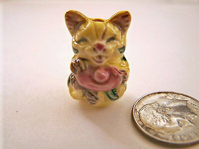 1 pcs Beautiful Detailed Famille Rose Porcelain Yellow w Pink Accents Cat Bead