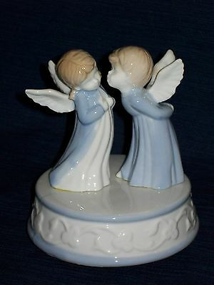 "5.75"" Blue & White porcelain Christmas MUSICAL KISSING ANGELS FIGURINE w/Box"