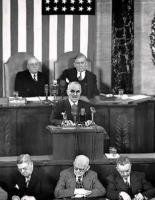 Harry Truman Gives State Of The Union On January 8, 1951 - 8X10 Photo (Ep-806)