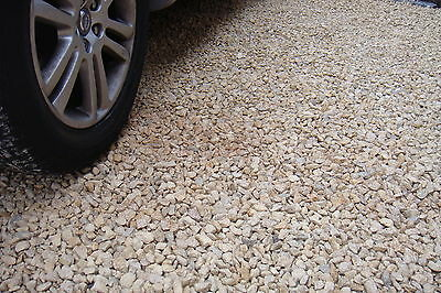 Premium Cotswold Buff Chipings 20mm and 14mm Bulk Bags Decorative Aggregates