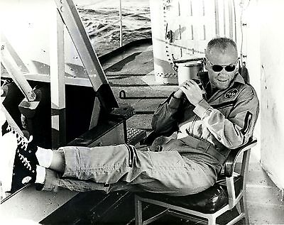 Astronaut John Glenn Relaxes On Uss Noa After Friendship 7 - 8X10 Photo (Ep-074)