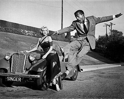 Marilyn Monroe And Sammy Davis, Jr. - 8X10 Publicity  Photo (Ep-390)