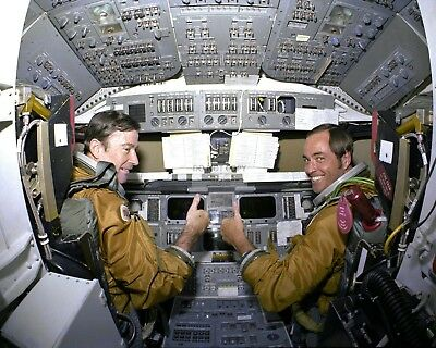 SPACE SHUTTLE COLUMBIA STS-1 ASTRONAUTS YOUNG & CRIPPEN 8X10 NASA PHOTO (EP-416)