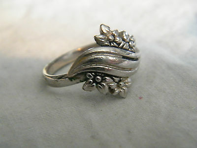 Collectible Silver Tone Cocktail Ring Signed SARAHCOV Size 7 Adjustable