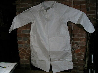 (Lot of 3) Size 3X Large TYVEK IsoClean Lab/Shop Coat,Frock. White zip front.