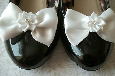 PAIR WHITE SATIN BOW RIBBON FLOWER SHOE CLIPS 40s 50s VINTAGE STYLE GLAMOUR BOWS