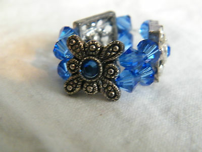 Beautiful Silver Tone Swavorski Crystal Blue Approx Size 7 Stretch Ring NICE