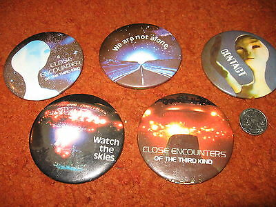 "CLOSE ENCOUNTERS  5 DIFF   3""   PINS  80'S?    VERY GOOD CONDITION"