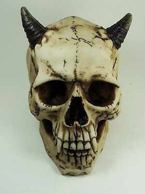 Celtic Horned Dracula Devil Demon Evil Head Skull Skeleton Figurine Statue Decor