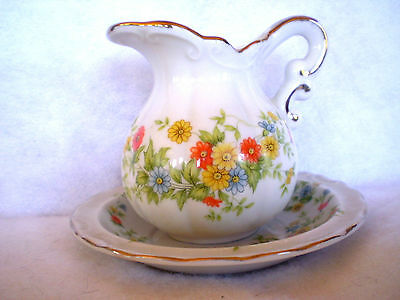 Lefton -Japan -6 oz-Creamer/Pitcher & Bowl # 1914- HAND PAINTED-Rare-Mint Cond..