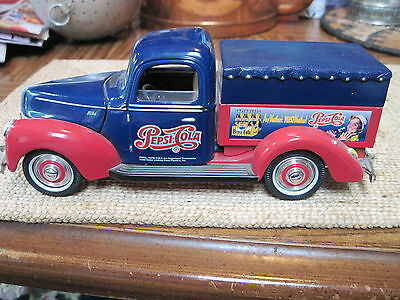 Pepsi Cola Golden Wheel Delivery Truck  Ford 1940 Diecast