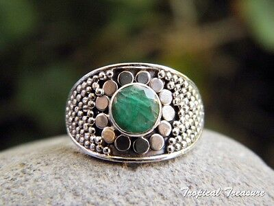 Emerald & 925 SOLID Silver Ring (Size 6 1/2, M 1/2) #147208