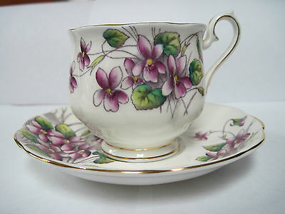 Royal Albert - Bone China - Cup and Saucer - Flower of the Month - Violets